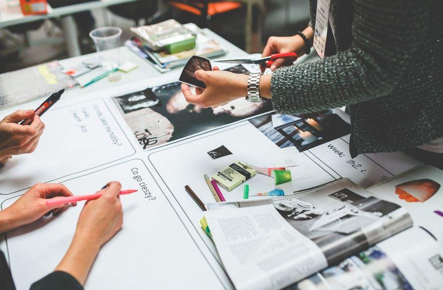https://www.geobuzon.es/wp-content/uploads/2020/02/diseñar-folletos.jpg